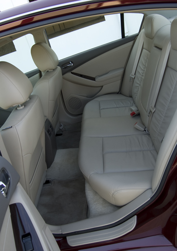 2010 Nissan Altima Sr V6 Rear Seats