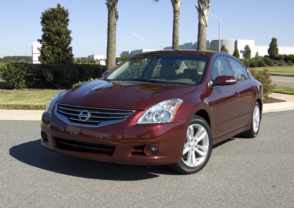 2010 Nissan Altima 3.5SR Review & Test Drive