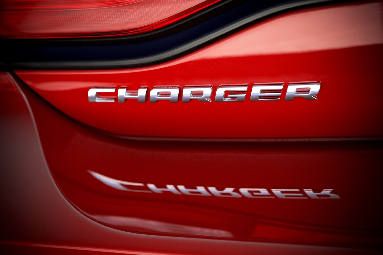 2011 Dodge Charger Press