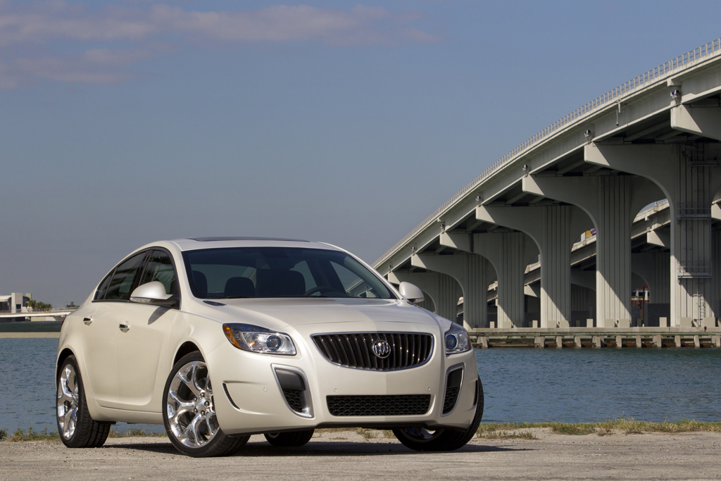 2012 Buick Regal GS Makes Auto Show Debut in LA