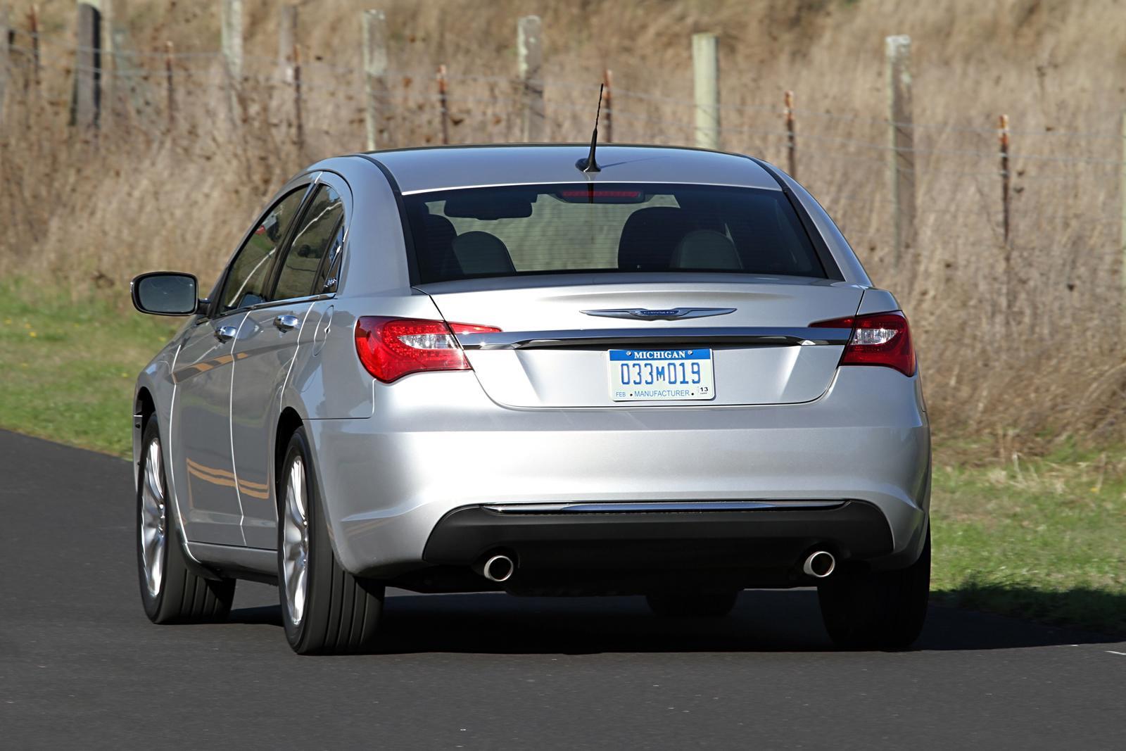 Chrysler 200 Rear >> 2011 Chrysler 200 Rear