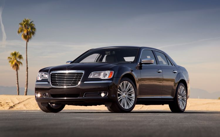 2011 Chrysler 300 Images Officially Revealed