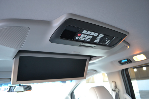 aftermarket navigation and entertainment system for 2011 toyota sienna xle. Black Bedroom Furniture Sets. Home Design Ideas