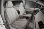 2011-toyota-sienna-front-seats