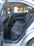2011-suzuki-kizashi-rear-seats
