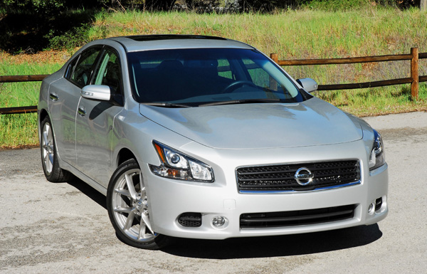 2011 Nissan Maxima SV Review & Test Drive