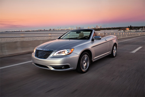 Chrysler Rolls Out 200 Convertible For Chicago