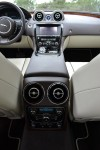 2011-jaguar-xj-rear-center-console