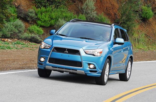 2011 Mitsubishi Outlander Sport SE AWD (AWC) Review & Test Drive