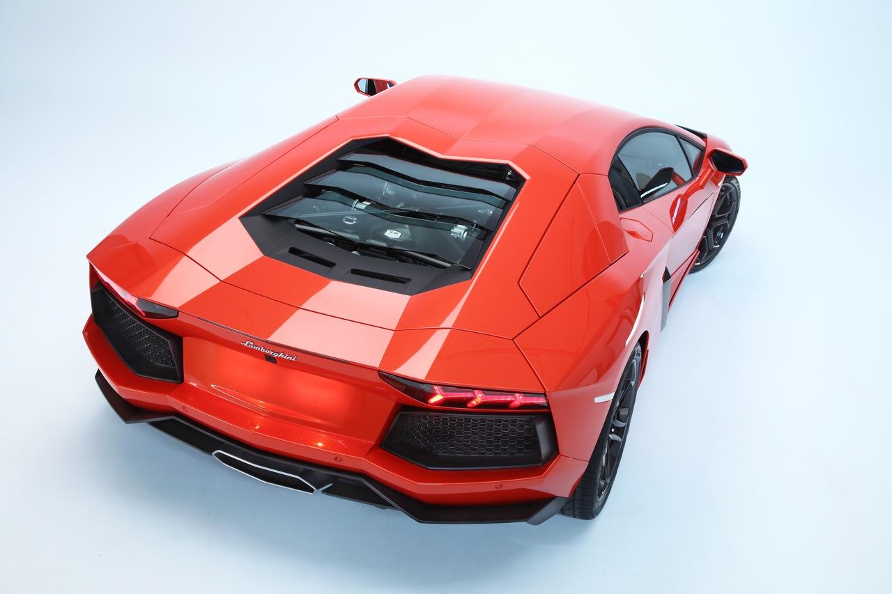 100 Hot Cars 187 Lamborghini Aventador