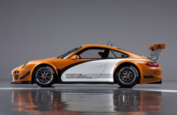 Porsche Builds A More Efficient 911 GT3 R Hybrid