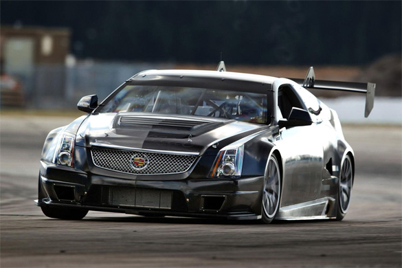60 Seconds At Sebring: Cadillac CTS-V Racing Coupe Testing Video