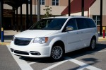 2011-chrysler-town-and-country