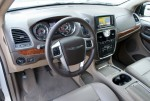 2011-chrysler-town-and-country-dash