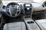 2011-chrysler-town-and-country-dash-2