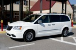 2011-chrysler-town-and-country-side-2