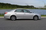 2011-toyota-avalon-limited-side