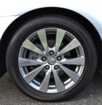 2011-toyota-avalon-limited-wheel-tire