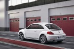 2012-Volkswagen-Beetle-exterior-from-rear-in-white