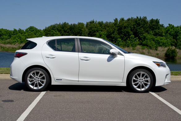 https://www.automotiveaddicts.com/wp-content/uploads/2011/05/2011-lexus-ct200h-side.jpg