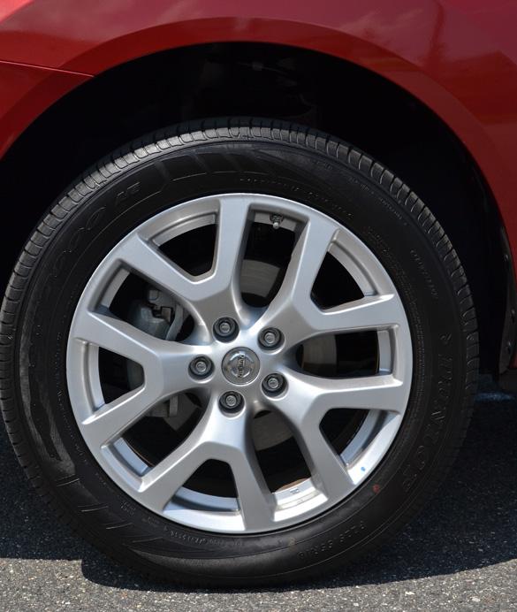 2013 Nissan Rogue Tire Size >> 2011 Nissan Rogue Sl Wheel Tire