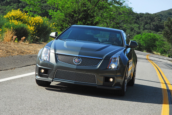 2011 cadillac cts v coupe review test drive a quick. Black Bedroom Furniture Sets. Home Design Ideas