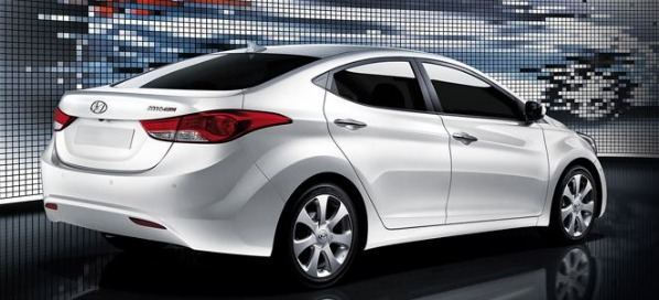 2011 Hyundai Elantra GLS – Compromise or Contender?