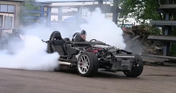 Video: Dodge Viper Performs Naked Burnout Before Donating V10 to Saab 9-3 SportCombi