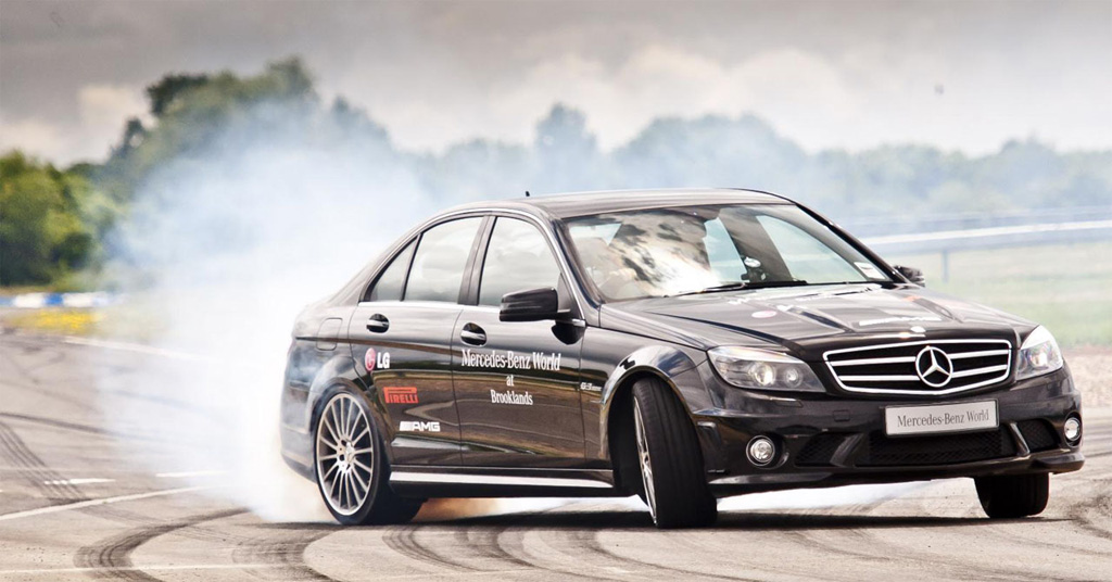 Video: Mauro Calo Sets Longest Drift Record with Mercedes-Benz C63 AMG