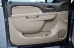 2011-chevrolet-tahoe-hybrid-door-trim