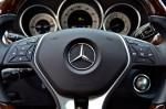 2011-mercedes-benz-cls550-steeringwheel