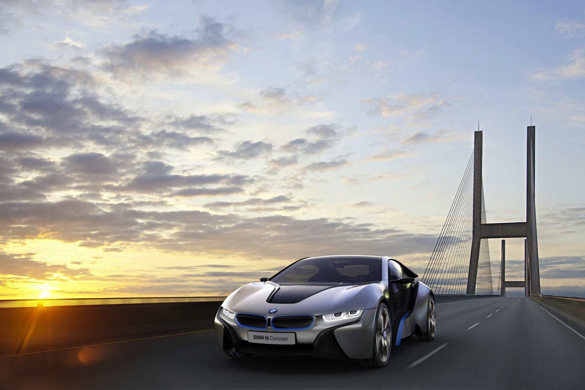 World Debut: BMW i8 Concept 0-60 Under 5 Seconds/78MPG