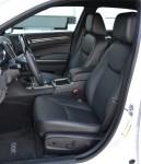 2011-chrysler-300c-front-seats