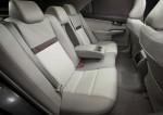 Toyota-Camry_2012_17