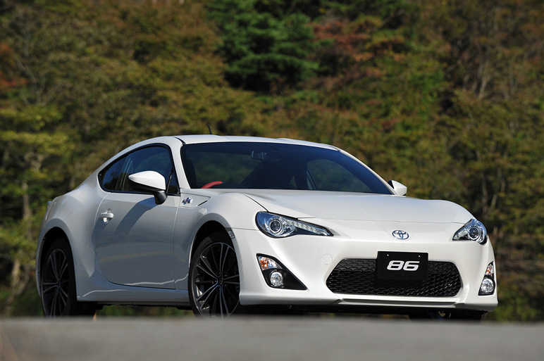 Officially Reveals 2012 Toyota GT 86 (FT-86) Sports Car w/Videos