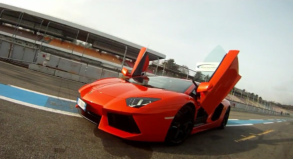 Video: Lamborghini Aventador LP700-4 Nails A 230 MPH Run