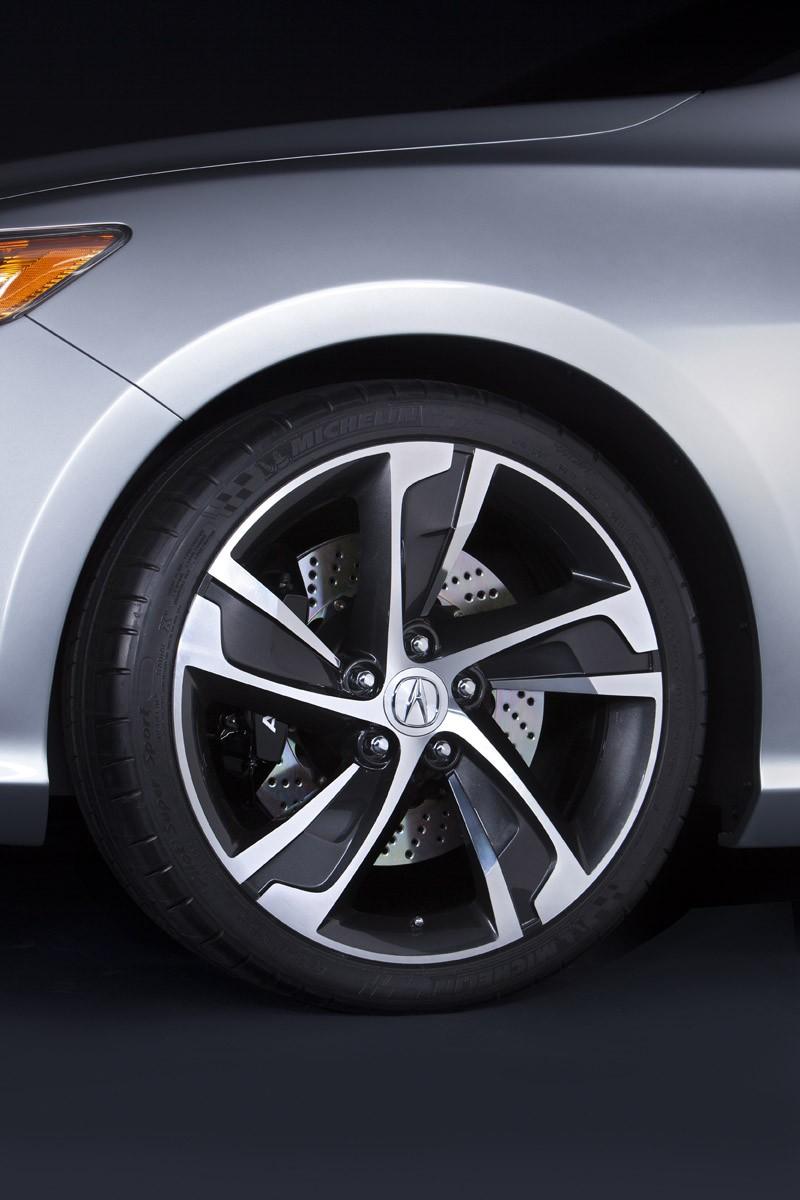 100 Hot Cars  2013 Acura ILX