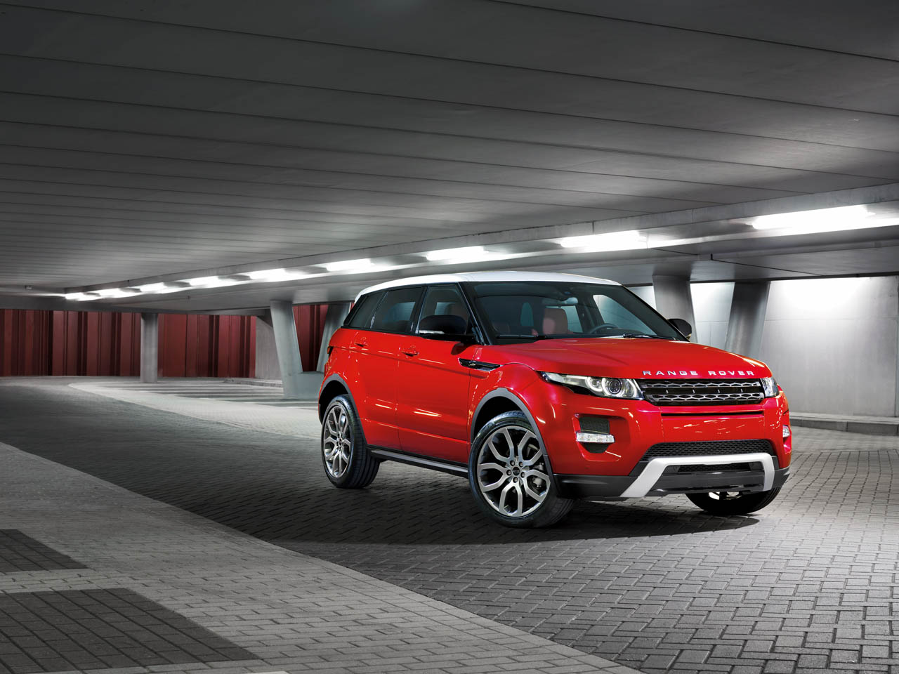 2012 Land Rover Range Rover Evoque Takes Home North American Truck of the Year Award