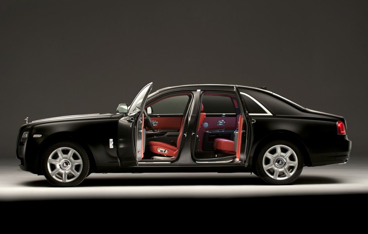Bespoke Personalization Helps Rolls Royce Sell Cars