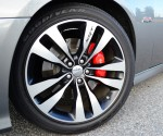 2012-dodge-charger-srt8-wheel-tire