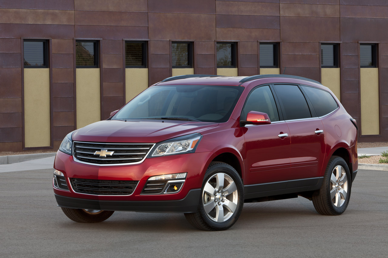 Chevrolet Debuts Refreshed 2013 Traverse Crossover