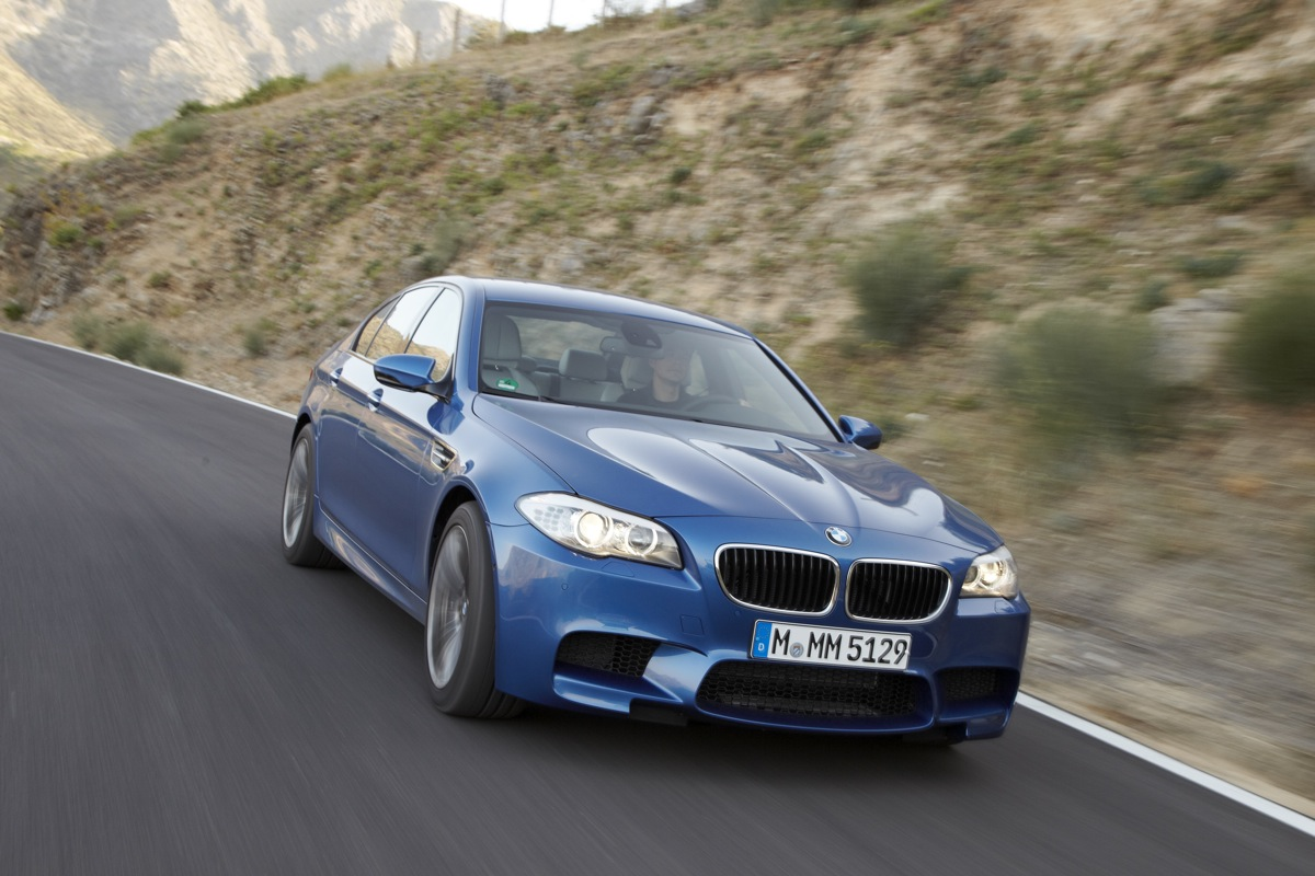 BMW Running 2012 M5 In One Lap Of America