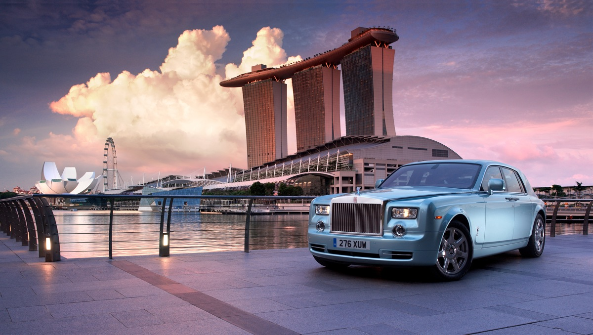 Rolls-Royce Abandoning Electric Cars – For Now, At Least