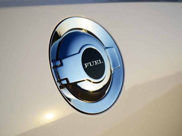 2012 Dodge Challenger SRT8 392 HEMI Review – An All ...
