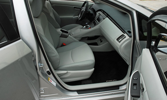 100 hot cars blog archive 2012 toyota prius review. Black Bedroom Furniture Sets. Home Design Ideas