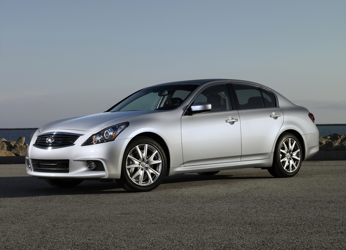 Infiniti Drops The G25 Sedan For 2013
