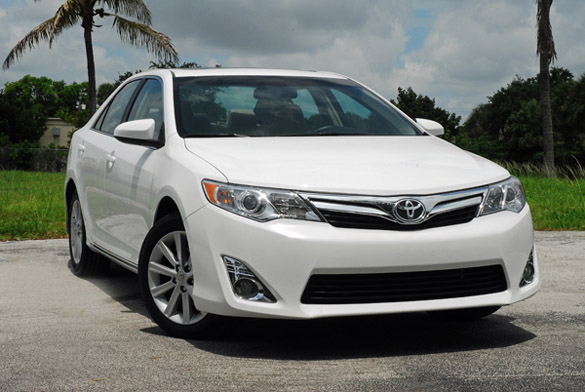 2012 Toyota Camry XLE V6 Review & Test Drive