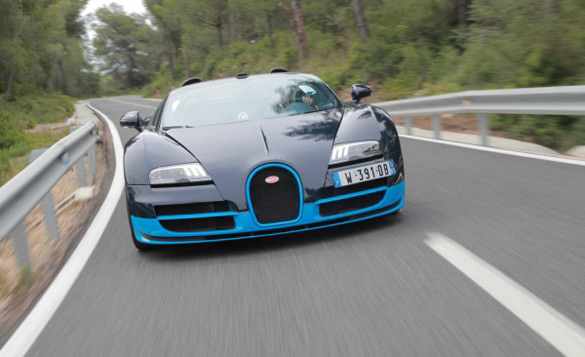Bugatti Veyron Grand Sport Vitesse Top-Down 200 MPH Fun: Video