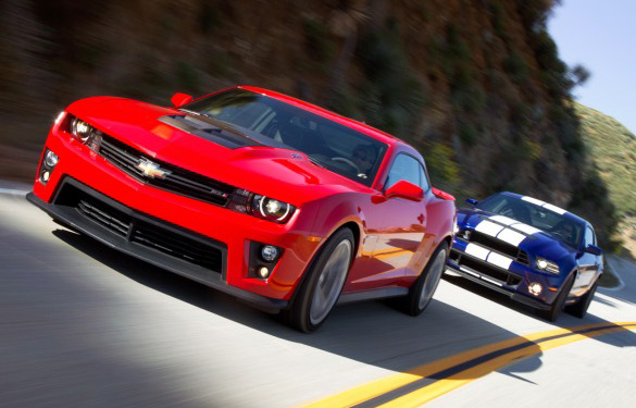 2013 Ford Mustang Shelby GT500 vs. Chevrolet Camaro ZL1: Video