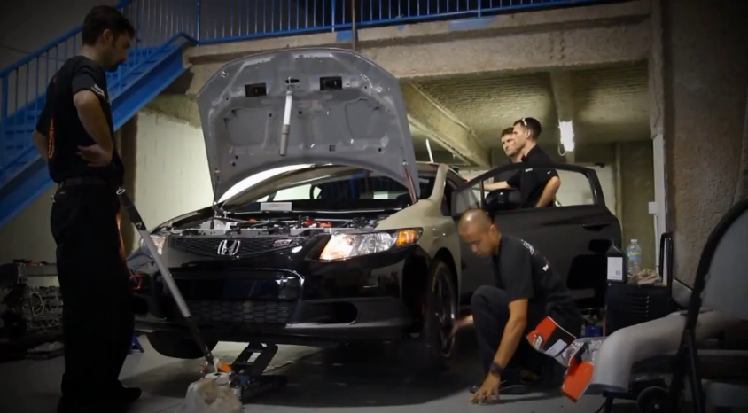 Honda Shows You How To Build A World Challenge Race Car: Video